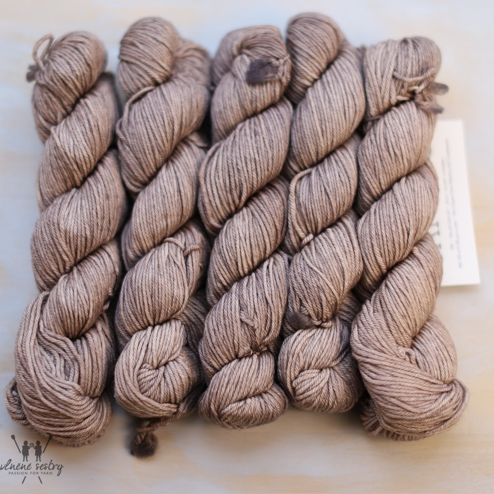 Malabrigo Caprino 131 Sand Bank